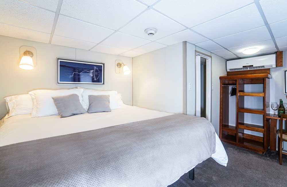 Nautilus Explorer Rosario Suite